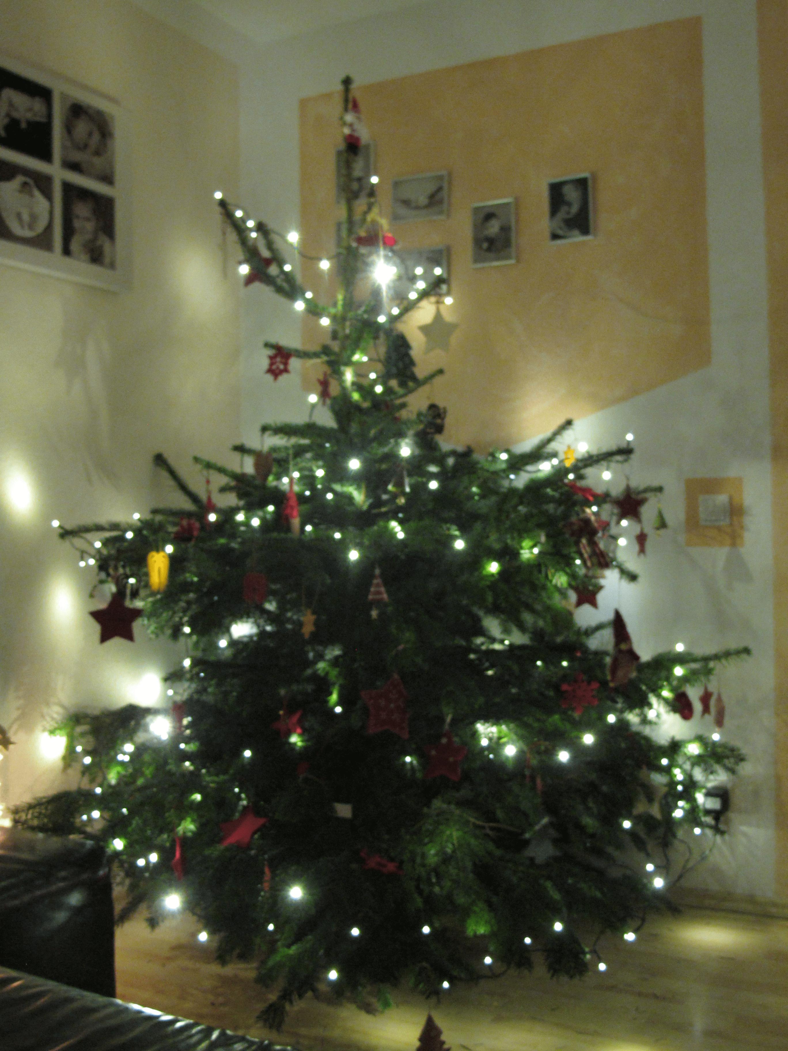 Weihnachtsbaum Geschenke Geschenkideen Weihnachtsgeschenke - Videoleben - Freizeittipps Urlaubstipps Produkttests Backrezepte Kochrezepte Familyeller Marcel Eller