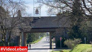 Einfahrt - ehemalige NS-Ordensburg Vogelsang im Nationalpark Eifel - Videoleben
