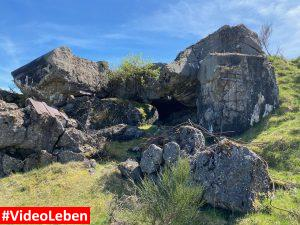 Felsen beim Luftschutzbunker oberhalb von Wollseifen - lost places - Geisterdorf im Nationalpark Eifel - Videoleben
