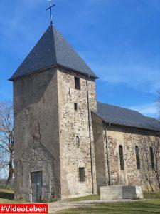 Kirche mit Kirchturm in Wollseifen - lost places - Geisterdorf im Nationalpark Eifel - Videoleben