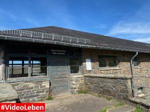 Naturschutzhaus - ehemalige NS-Ordensburg Vogelsang im Nationalpark Eifel - Videoleben