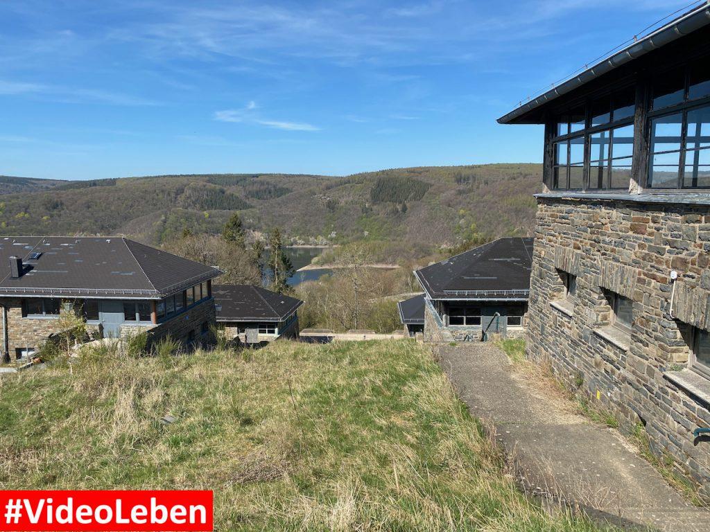 Seitenblick - ehemalige NS-Ordensburg Vogelsang im Nationalpark Eifel - Videoleben