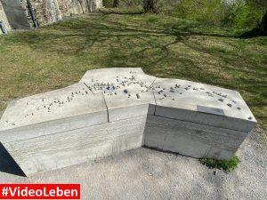in Stein als Denkmal Wollseifen - lost places - Geisterdorf im Nationalpark Eifel - Videoleben