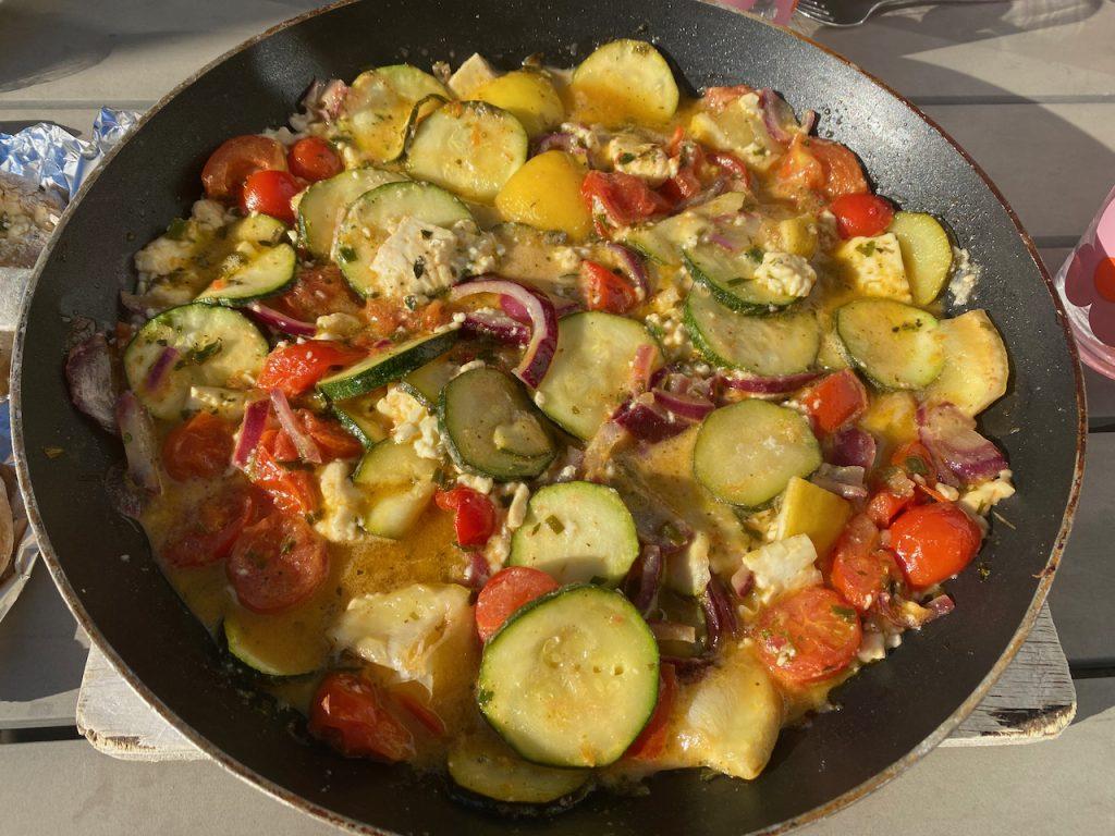 leckere Gemüsepfanne vom Grill - Videoleben - Rezeptfamilie