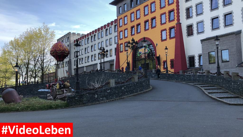 Auffahrt zum Abenteuerhotel - Heide-Park Resort Soltau #Videoleben